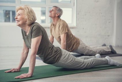 Aging people developing their flexibility