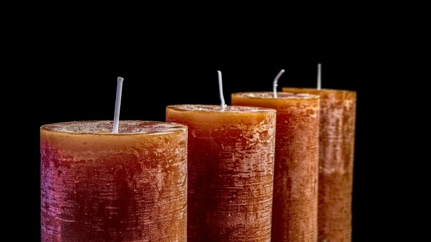 candles-2993936_1920